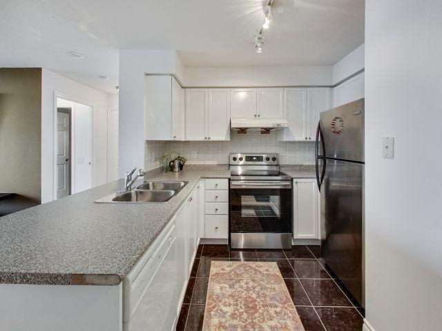 Photo 4: Photos: 1504 8 Mondeo Drive in Toronto: Dorset Park Condo for sale (Toronto E04)  : MLS®# E3933256