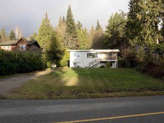 Photo 2: 3268 BEACH Avenue: Roberts Creek House for sale (Sunshine Coast)  : MLS®# R2523146