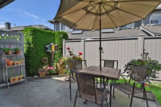 """Photo 20: 6139 W BOUNDARY Drive in Surrey: Panorama Ridge Townhouse for sale in """"LAKEWOOD GARDENS"""" : MLS®# F1448168"""
