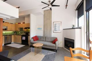 """Photo 1: 217 428 W 8TH Avenue in Vancouver: Mount Pleasant VW Condo for sale in """"XL"""" (Vancouver West)  : MLS®# R2366926"""