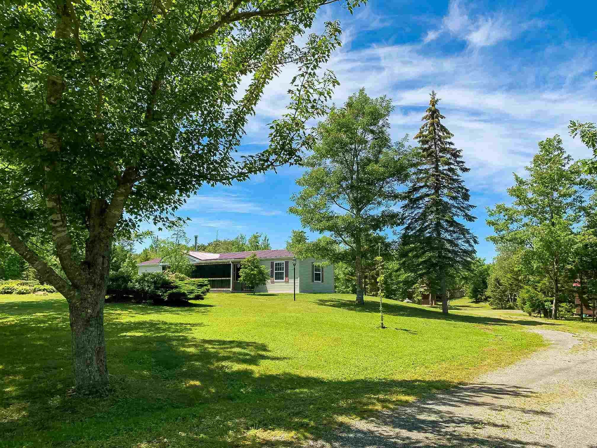 Main Photo: 782 Waterloo Road in Waterloo: 405-Lunenburg County Residential for sale (South Shore)  : MLS®# 202117282