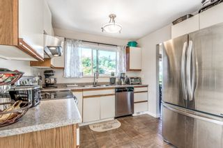 Photo 3: 1125 HANSARD Crescent in Coquitlam: Ranch Park House for sale : MLS®# R2621350