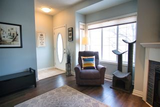 Photo 4: 9103 98 Avenue in Edmonton: Zone 18 Townhouse for sale : MLS®# E4228919
