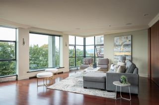 """Photo 3: 6 1861 BEACH Avenue in Vancouver: West End VW Condo for sale in """"The Sylvia"""" (Vancouver West)  : MLS®# R2620752"""