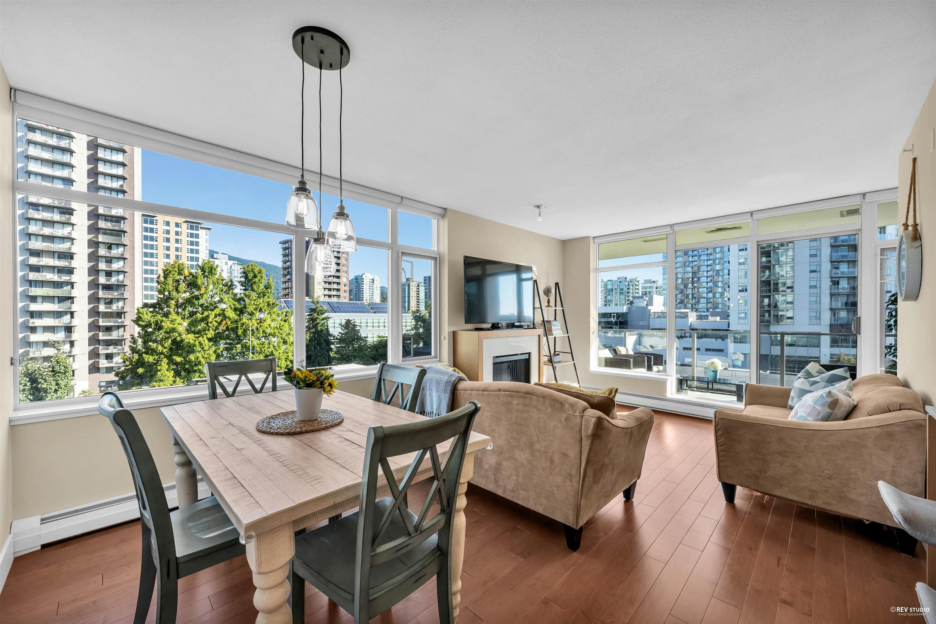"""Main Photo: 702 158 W 13TH Street in North Vancouver: Central Lonsdale Condo for sale in """"Vista Place"""" : MLS®# R2621703"""
