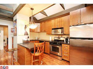 Photo 3: 15506 VICTORIA Avenue: White Rock House for sale (South Surrey White Rock)  : MLS®# F1025203