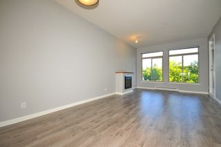 "Photo 3: 301 15385 101A Avenue in Surrey: Guildford Condo for sale in ""CHARLTON PARK"" (North Surrey)  : MLS®# R2189827"