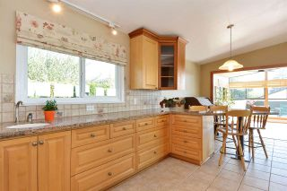 """Photo 5: 14233 MAGDALEN Avenue: White Rock House for sale in """"West White Rock"""" (South Surrey White Rock)  : MLS®# R2262291"""