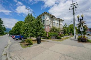 """Photo 2: 114 9422 VICTOR Street in Chilliwack: Chilliwack N Yale-Well Condo for sale in """"Newmark"""" : MLS®# R2590797"""