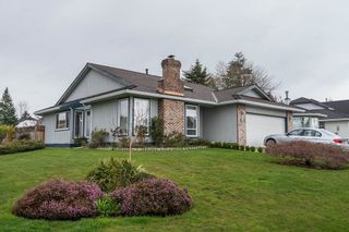 Photo 1: 18461 57A Avenue in Surrey: Cloverdale BC House for sale (Cloverdale)  : MLS®# R2154507