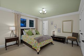"""Photo 28: 14342 SUNSET Drive: White Rock House for sale in """"White Rock Beach"""" (South Surrey White Rock)  : MLS®# R2590689"""