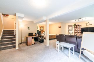 Photo 17: 11 9000 ASH GROVE CRESCENT in Burnaby: Forest Hills BN Townhouse for sale (Burnaby North)  : MLS®# R2401504