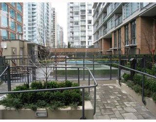 """Photo 7: 908 788 RICHARDS Street in Vancouver: Downtown VW Condo for sale in """"L'HERMITAGE"""" (Vancouver West)  : MLS®# V808783"""