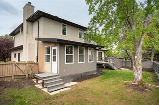 Photo 30: 70 Manring Cove in Winnipeg: House for sale : MLS®# 202121105