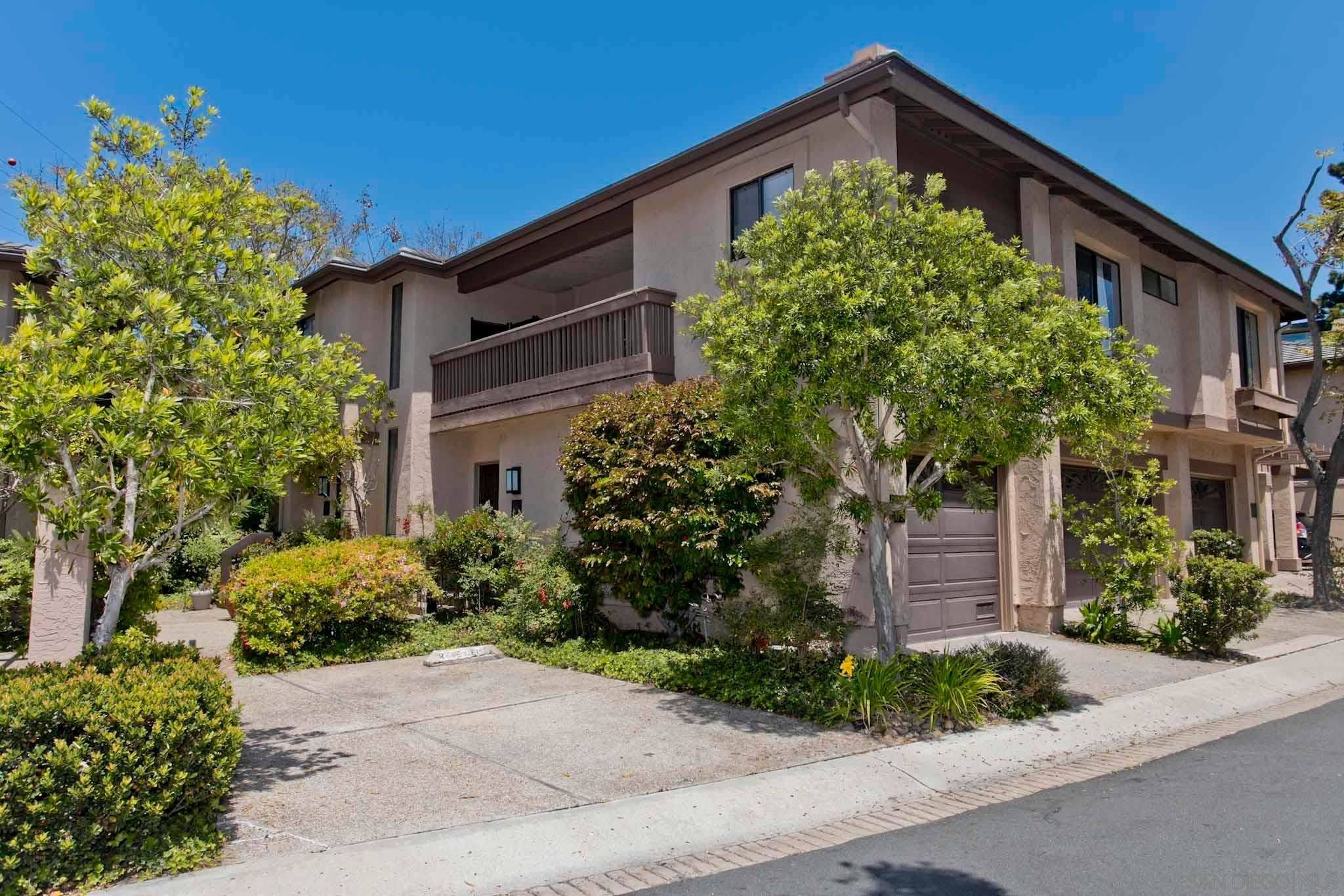 Main Photo: MISSION VALLEY Condo for sale : 2 bedrooms : 6086 Cumulus Ln. in San Diego