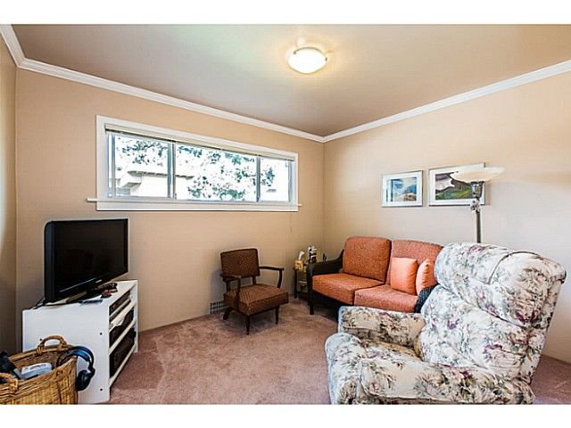"""Photo 7: Photos: 1063 SEVENTH Avenue in New Westminster: Moody Park House for sale in """"MOODY PARK"""" : MLS®# V1090839"""