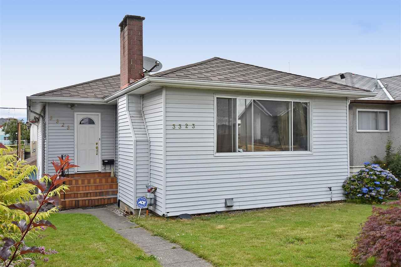 Main Photo: 3323 NAPIER Street in Vancouver: Renfrew VE House for sale (Vancouver East)  : MLS®# R2109951