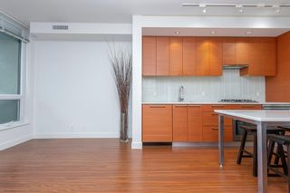 Photo 8: 432 222 Riverfront Avenue SW in Calgary: Chinatown Apartment for sale : MLS®# A1147218