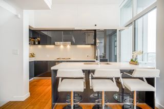 """Photo 11: PH7 777 RICHARDS Street in Vancouver: Downtown VW Condo for sale in """"TELUS GARDEN"""" (Vancouver West)  : MLS®# R2621285"""