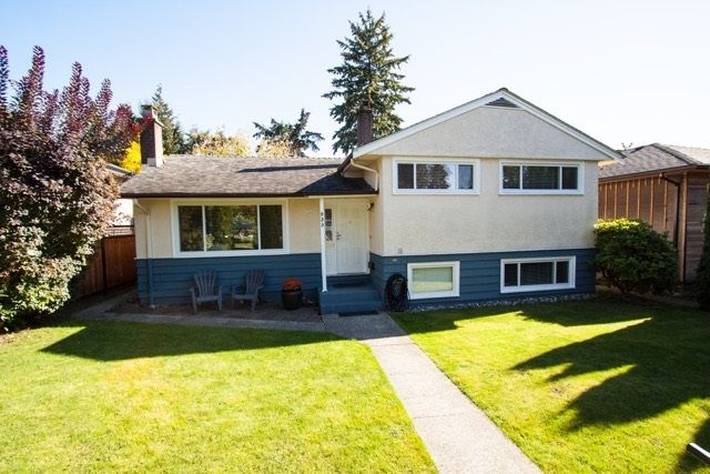 "Photo 2: Photos: 953 DRAYTON Street in North Vancouver: Calverhall House for sale in ""CALVERHALL"" : MLS®# R2112322"