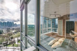 Photo 1: R2037441 - 1108 - 63 Keefer Place, Vancouver Condo For Sale