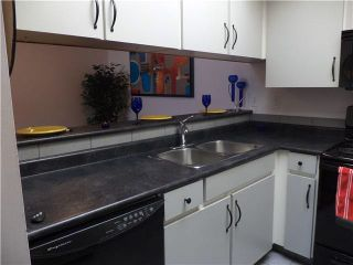 """Photo 4: 307 932 ROBINSON Street in Coquitlam: Coquitlam West Condo for sale in """"THE SHAUGHNESSY"""" : MLS®# R2064761"""