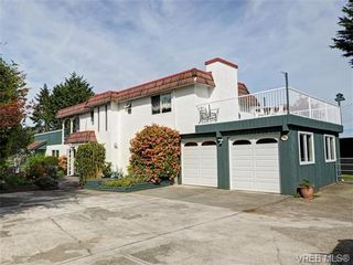 Photo 1: 7985 See Sea Pl in SAANICHTON: CS Saanichton House for sale (Central Saanich)  : MLS®# 727017