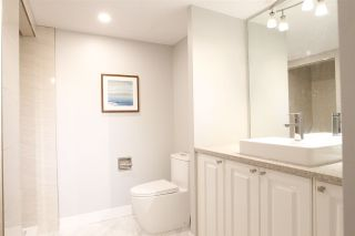 Photo 3: 1001 615 BELMONT STREET in : Uptown NW Condo for sale : MLS®# R2294805