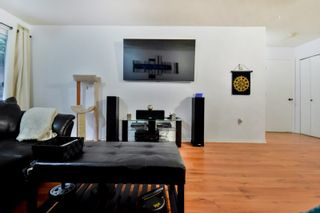 """Photo 7: 203 6969 21ST Avenue in Burnaby: Highgate Condo for sale in """"THE STRATFORD"""" (Burnaby South)  : MLS®# R2027915"""
