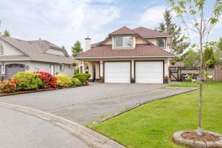 """Photo 2: 6356 187A Street in Surrey: Cloverdale BC House for sale in """"Eagle Crest"""" (Cloverdale)  : MLS®# R2586904"""