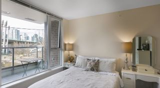 """Photo 12: 305 1919 WYLIE Street in Vancouver: False Creek Condo for sale in """"Maynards Block"""" (Vancouver West)  : MLS®# R2589947"""