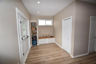 Photo 3: 525 YALE Street in Hope: Hope Center House for sale : MLS®# R2579058