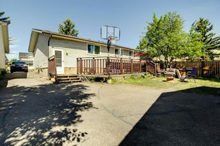 Photo 5: 10 Radcliffe Crescent SE in Calgary: Albert Park/Radisson Heights Detached for sale : MLS®# A1121871