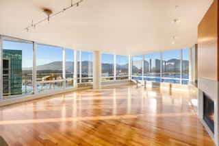 """Photo 2: 3102 1077 W CORDOVA Street in Vancouver: Coal Harbour Condo for sale in """"Shaw Tower"""" (Vancouver West)  : MLS®# R2624531"""