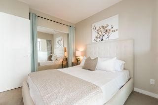 """Photo 7: 910 1708 COLUMBIA Street in Vancouver: False Creek Condo for sale in """"WALL CENTRE FALSE CREEK"""" (Vancouver West)  : MLS®# R2388986"""