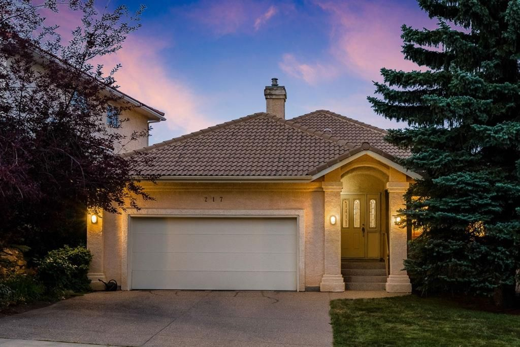 Main Photo: 217 Signature Way SW in Calgary: Signal Hill Detached for sale : MLS®# A1148692
