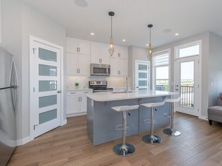 Photo 3: 8 SKYVIEW Circle NE in Calgary: Skyview Ranch Row/Townhouse for sale : MLS®# C4197870