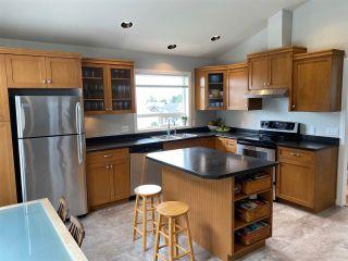Photo 2: 5058 BAY Road in Sechelt: Sechelt District House for sale (Sunshine Coast)  : MLS®# R2450562
