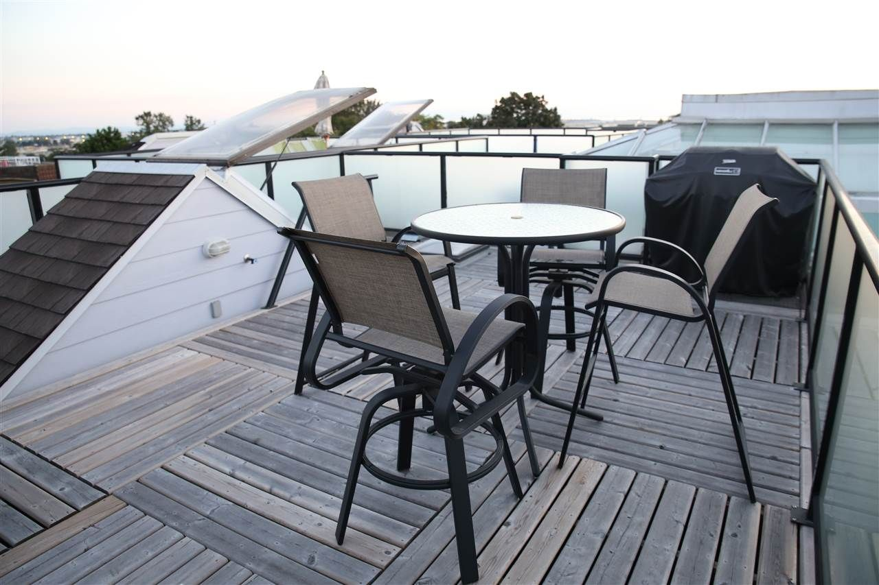 360 degree roof top deck