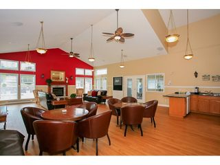 """Photo 19: 117 9012 WALNUT GROVE Drive in Langley: Walnut Grove Townhouse for sale in """"Queen Anne Green"""" : MLS®# R2184552"""