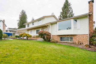 """Photo 1: 5749 189A Street in Surrey: Cloverdale BC House for sale in """"FAIRWAY ESTATES"""" (Cloverdale)  : MLS®# R2545304"""