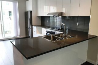 Photo 1: 96 5550 ADMIRAL WAY in Ladner: Neilsen Grove Townhouse for sale : MLS®# R2200013