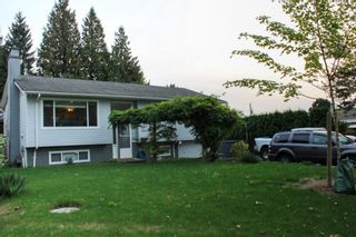 Photo 6: 18162 61B Avenue in Surrey: Cloverdale BC House for sale (Cloverdale)  : MLS®# R2509695