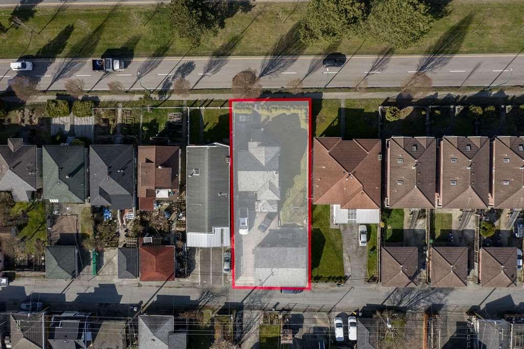 "Main Photo: 2750 E 1ST Avenue in Vancouver: Renfrew VE House for sale in ""PRIME RENFREW"" (Vancouver East)  : MLS®# R2553326"