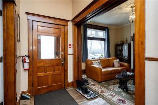 Photo 4: 92 Balmoral Street in Winnipeg: West Broadway Residential for sale (5A)  : MLS®# 202102175