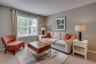 Photo 7: 385 Elgin Gardens SE in Calgary: McKenzie Towne Row/Townhouse for sale : MLS®# A1115292