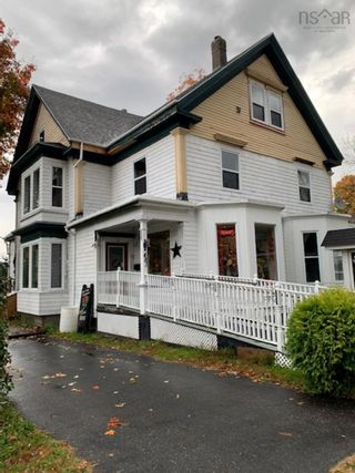 Photo 3: 481 Main Street in Kentville: 404-Kings County Residential for sale (Annapolis Valley)  : MLS®# 202125881