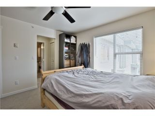 """Photo 7: 520 ST GEORGES Avenue in North Vancouver: Lower Lonsdale Townhouse for sale in """"STREAMLNE PLACE"""" : MLS®# V1055131"""