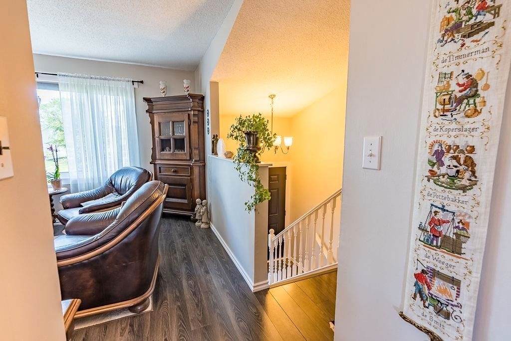Photo 16: Photos: 5139 55 Avenue: Wetaskiwin Attached Home for sale : MLS®# E4249539