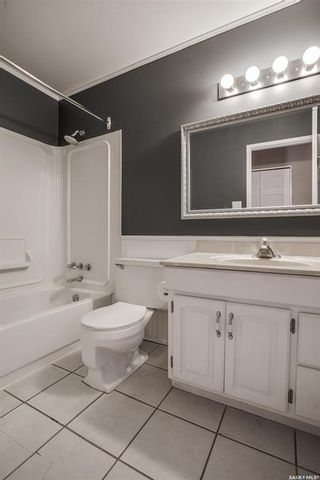 Photo 12: 114 Blake Place in Saskatoon: Meadowgreen Residential for sale : MLS®# SK862530